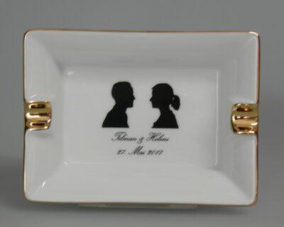 Zigarettenaschenbecher, Porzellanaschenbecher, Ascher rechteckig, Beispiel mit Goldlinie für Hochzeit