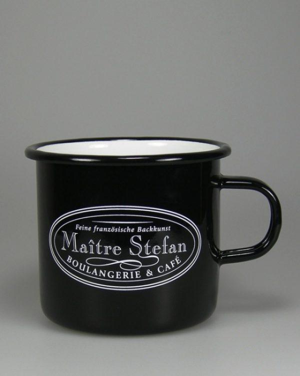 schwarz glasierter Emaillebecher mit weissem Logodruck