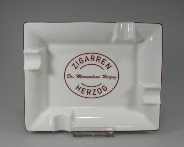 Zigarrenascher mit Handmallinie in Druckfarbe