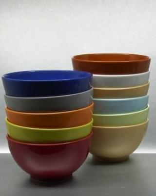 Müslischalen Bowls Porzellanschalen farblasiert als Projektarbeit