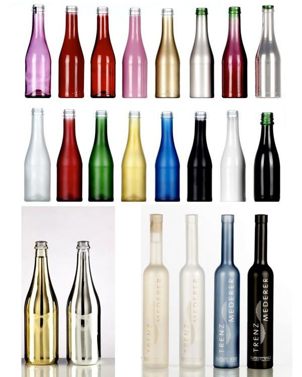 Farbspritzung deckender Hydrolack auf Glasflaschen