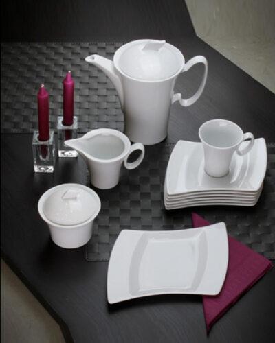 Porzellanservice Wing gedeckter Tisch