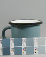 Emailletasse Farbspritzung PMS 5425C