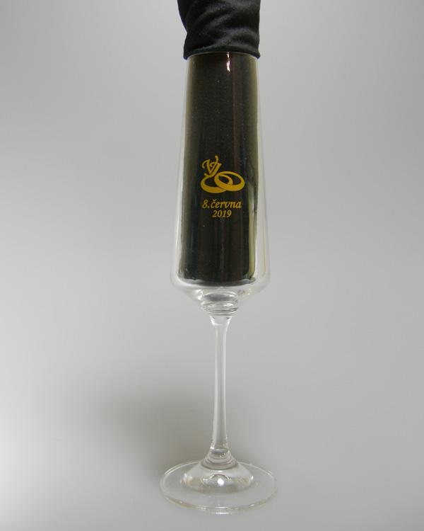 Direktdruck goldenes Logo für Hochzeit auf Sektglas