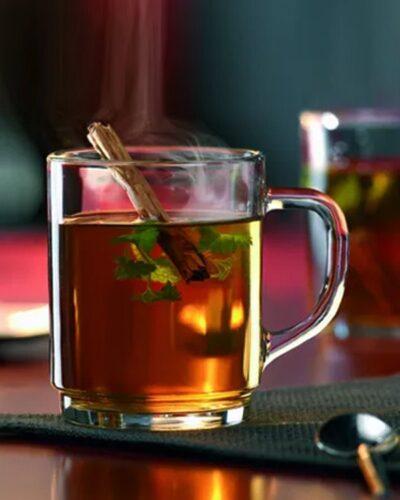 Becher Glasmug BOSTEN BOCK mit Tee befüllt