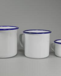 Emailletassen Mix Trinkrand blau flacher Henkel