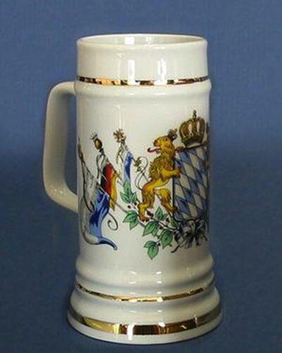 Staendekrug Porzellankrug mit Goldlinien und bayerischem Wappen