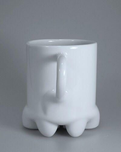 Fertige Porzellantasse rückseitig